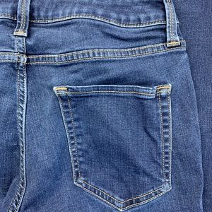 a.n.a Womens Bootcut Stretch Mid Rise Jean Size 6